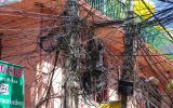 Hightech auf nepalesisch. Kein Wunder, dass im ganzen Tal ständig der Strom ausfällt.