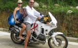 Vater und Tochter, unverkennbar in Urlaubslaune.