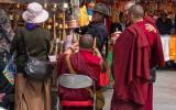 Mönche des Jokhang-Klosters zwischen Tradition ...